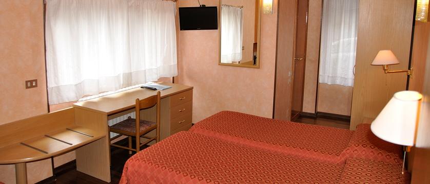 Standard Bedroom.jpg